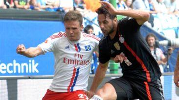 Con Claudio Pizarro, Bayern Múnich igualó 0-0 ante Hamburgo