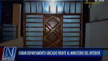 Asaltan un departamento frente al Ministerio del Interior