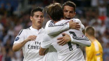 Real Madrid aplastó 8-2 a La Coruña con 'hat-trick' de CR7