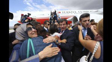Emotivo reencuentro con los rehenes turcos del Estado Islámico