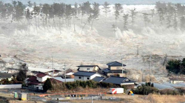 Tsunami que azotó a Japón en el 2011.(Foto: Reuters)