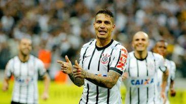 Paolo Guerrero igualó el registro de Ronaldo en el Corinthians