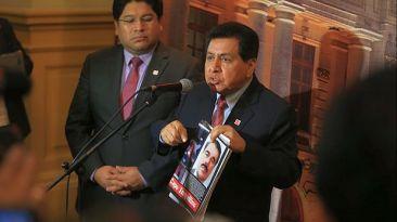 José León dice que sabía que alquilaba su casa a mexicano