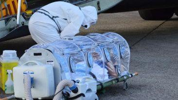 Sacerdote español con ébola llegó a Madrid en estado grave