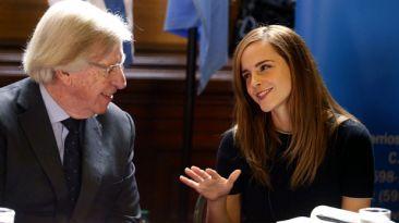 """Hacker de las estrellas amenaza a Emma Watson: """"Tú sigues"""""""