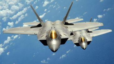 Siria: EE.UU. estrenó su nave más poderosa, el superavión F-22