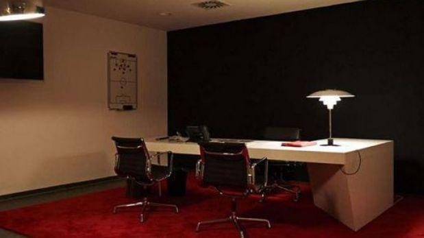 As es la oficina de pep guardiola en el bayern m nich for Oficinas de allianz en madrid