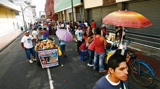 En Lima existen cerca de 300 mil ambulantes