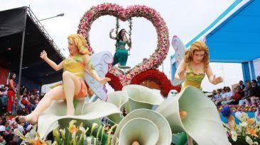 Trujillo se llenó de color con el corso de primavera [Fotos]