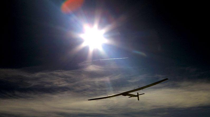 El piloto alemán Markus Scherdel es el encargado de realizar las pruebas del Solar Impulse 2. (Reuters)