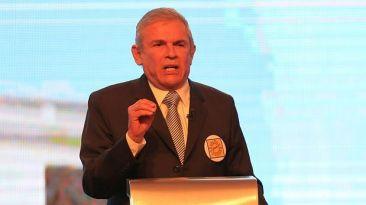 Resignado a Castañeda, por Fernando Vivas