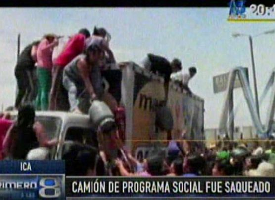 Camión lleno de donaciones fue saqueado por pobladores de Ica