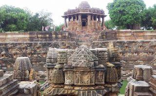 Conoce el templo erótico dedicado al sol en Modhera, India