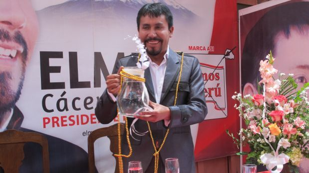 Matrimonio Simbolico Peru : Candidato regional contrajo matrimonio simbólico con el