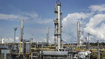 Colombia y Perú firman acuerdo de cooperación en hidrocarburos