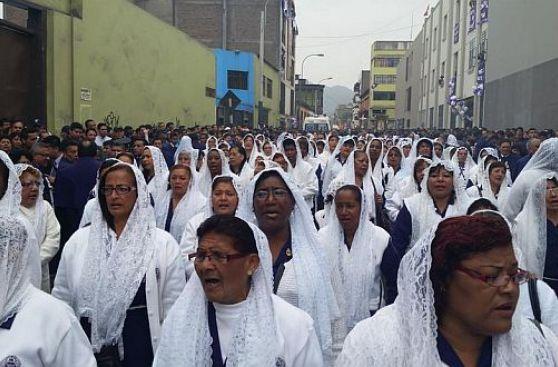 [Fotos] Así recibieron los fieles al Señor de Los Milagros