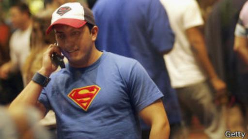 Incluso ponerse una camiseta de Superman puede llegar a hacer que alguien se sienta más fuerte.