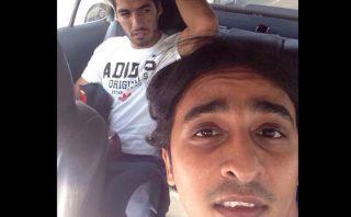 Luis Suárez llegó a Arabia y taxista se tomó selfie con él