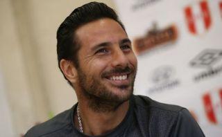 Pizarro sugiere que sí aceptaría ser suplente en la selección