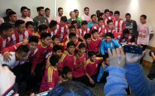 Selección peruana recibió visita del equipo Incas del Sur