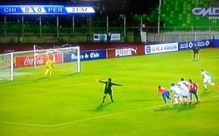 Mira cómo falló el penal Paolo Guerrero ante Chile