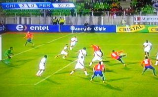 Golazo de Eduardo Vargas con el que Chile golea a Perú