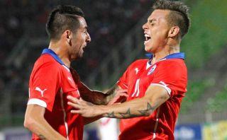 Chile goleó 3-0 a Perú en Valparaíso con doblete de Vargas