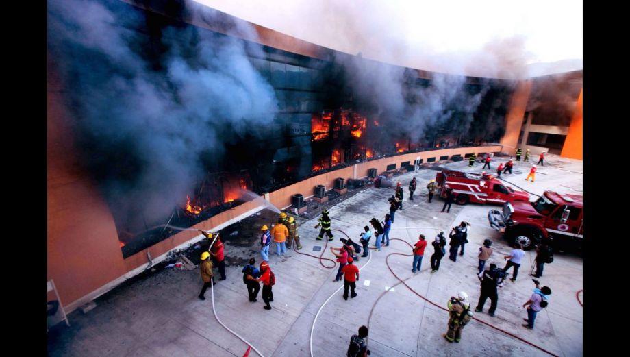 México arde de furia por los 43 estudiantes desaparecidos