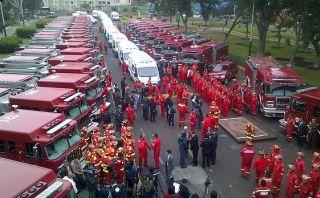 Gobierno entrega más de 50 unidades nuevas a cuerpo de bomberos
