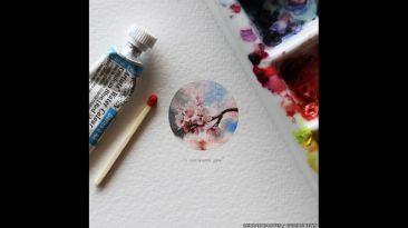 La artista que pinta una obra en miniatura al día