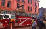 Plaza Dos de Mayo: todavía arden las brasas en casona dañada