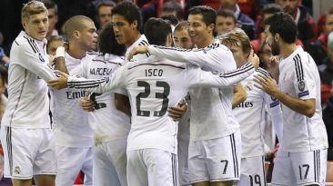 Real Madrid necesitó 45 minutos para golear 3-0 a Liverpool