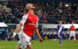 Arsenal remontó y ganó 2-1 al Anderlecht con gol a los 91'