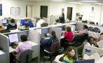 La mitad de los empleados por 'call centers' son primerizos