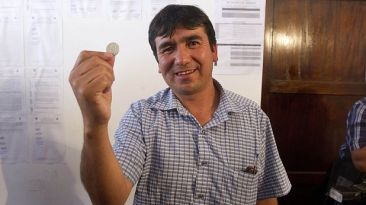 Cusco: nuevo alcalde de Pillpinto fue elegido por moneda