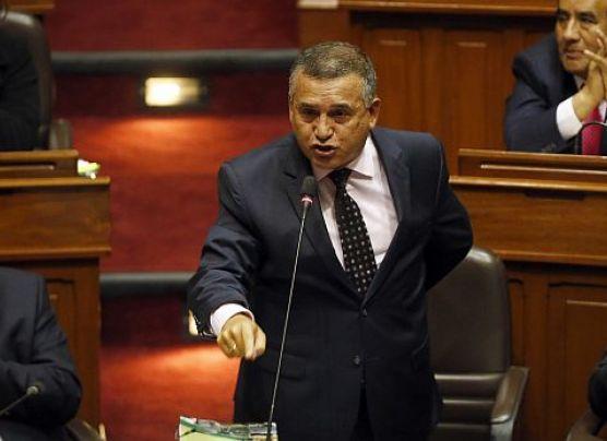 Ministro Daniel Urresti será interpelado hoy en el Congreso