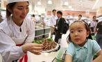 Ministro japonés gastó fondos públicos en bar sadomasoquista