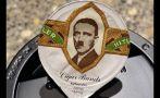 Retratos de Hitler eran distribuidos con crema de café en Suiza