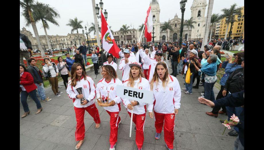 Surf: Así se inauguró el Mundial de Tabla en la Plaza de Armas