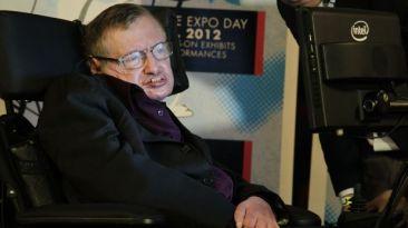 Facebook: Jaime Travezan orgulloso por foto de Stephen Hawking
