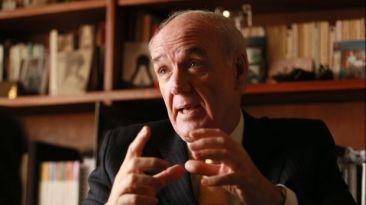 """García Belaunde: """"Piñera desconoce tratados internacionales"""""""