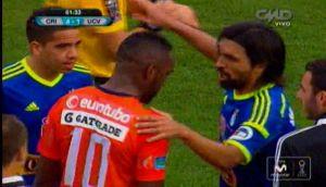 Luis Tejada se quiso ir en pleno partido por insultos racistas