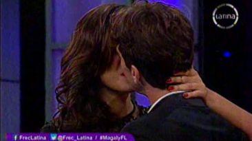 Antonio Pavón besó a la nueva modelo que le robó el corazón