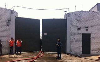 Callao: incendio en fábrica textil fue controlado por bomberos