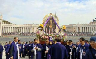 El Papa Francisco bendijo al Señor de los Milagros en Roma