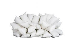 Relájate en este delicioso sofá hecho con almohadas