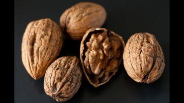 Comer nueces reduciría el riesgo de padecer Alzheimer