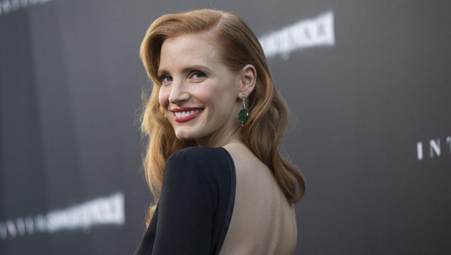 """""""Interstellar"""": actrices del filme deslumbran en alfombra roja"""