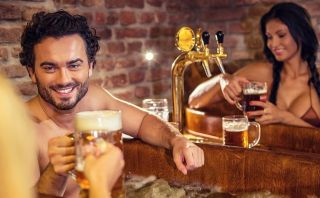 Toma un relajante baño de cerveza en el Beer Spa de Praga