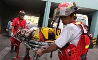 Essalud se disculpó por retener camilla de bomberos